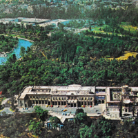 F47 Vista aérea del Castillo-Lago y Bosque de Chapultepec. Air view of the Chapultepec Castle-Lake and Park