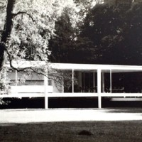 A25 Farnsworth House. Ludwig Miles van der Rohe 1951
